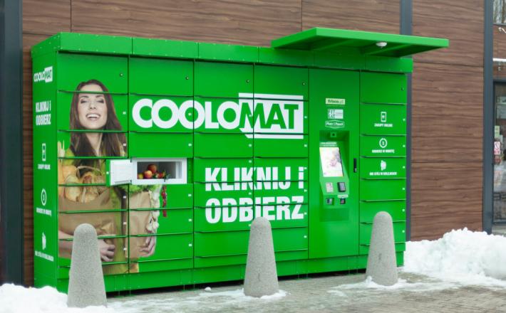 Internetowy sklep wychodzi na ulicę