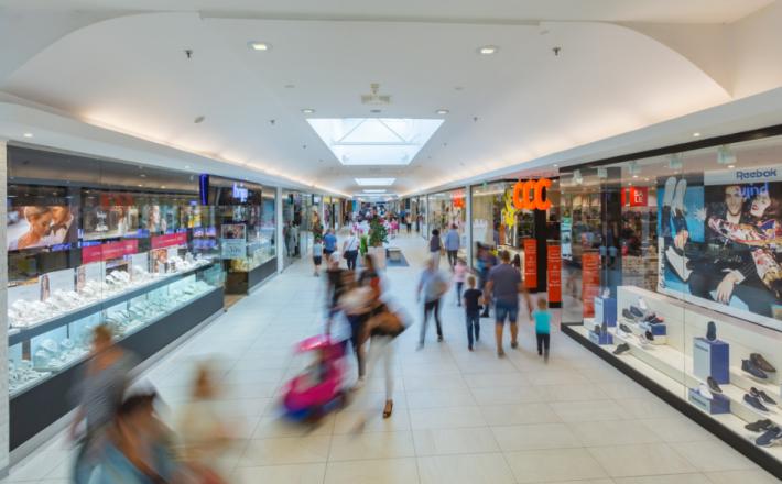 Czego Polacy szukają w centrach handlowych
