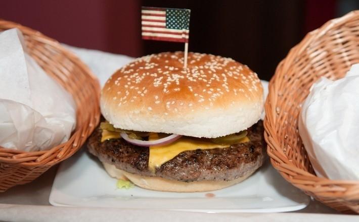 Konkurencja sięga po lokalizację McDonald's