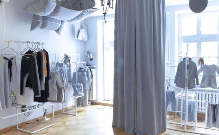 Komfortowa przymierzalnia zwiększa sprzedaż w sklepie odzieżowym