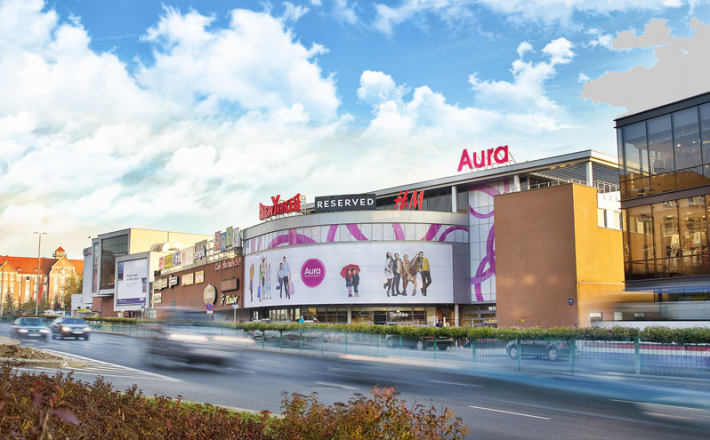 Carrefour wchodzi do Aura Centrum